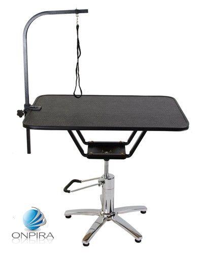 Stôl na strihanie psov zn. Onpira o veľkosti 92 x 62. Stôl výškovo na 708fbc06789